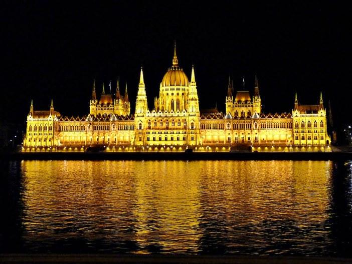 cladirea parlamentului budapesta