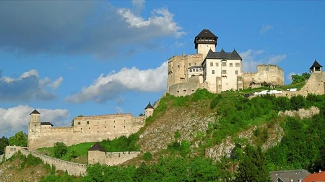 Slovakia-trencin-castle