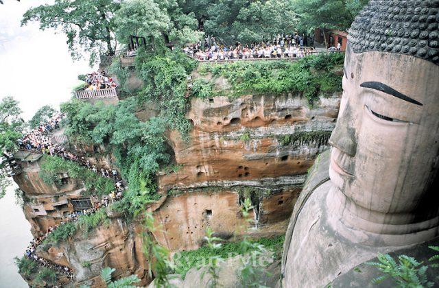 stairsgreatbuddha