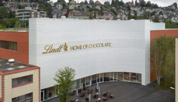cropped-lindt-museum.jpg